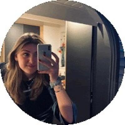 Emma zoekt een Kamer / Huurwoning / Studio / Appartement in Leiden