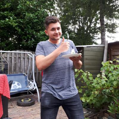 Andre zoekt een Kamer / Huurwoning / Studio / Appartement in Leiden