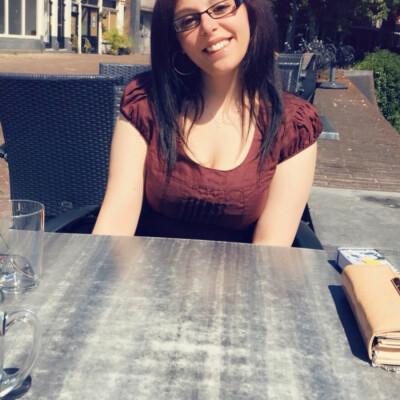 Tania zoekt een Huurwoning/Studio/Appartement in Leiden